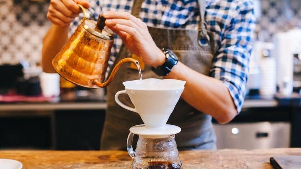 Proses Penyeduhan Kopi Secara Manual Brewing Siap Dikupas Tuntas