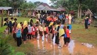 Meski Jalan Kaki 5 Km, Siswa SD di Maros Tetap Semangat Sekolah