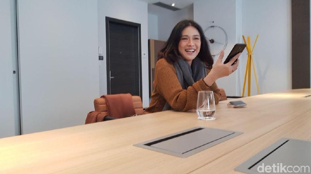 Ini Fitur Galaxy S9 Favorit Dian Sastro