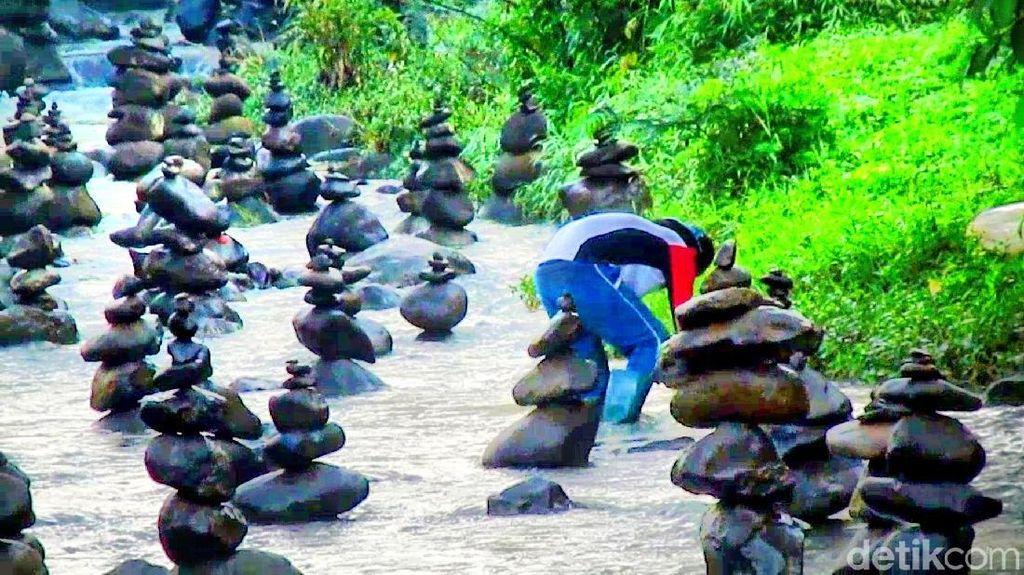 Akhir Pekan Ini, Yuk Lihat Rock Balancing di Sukabumi
