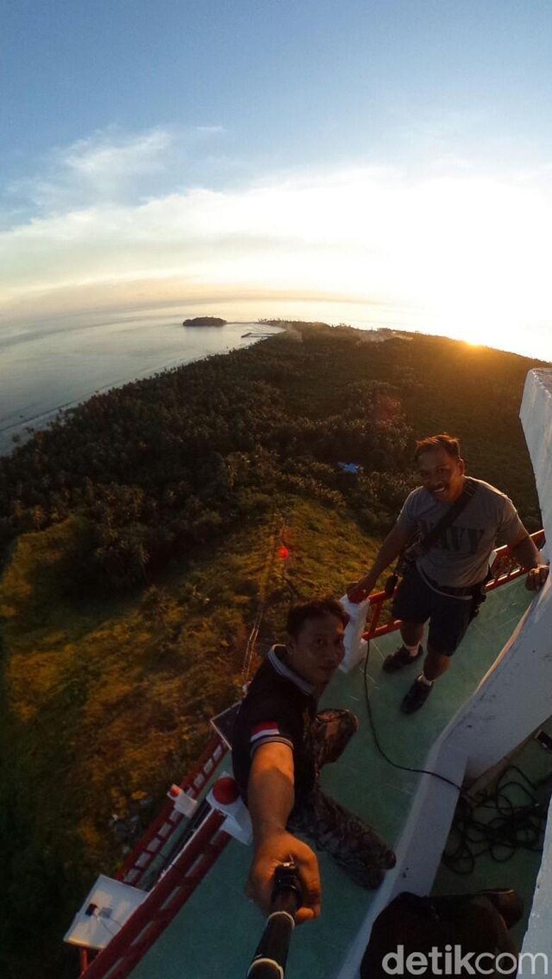 Foto: Eksotisnya Tapal Batas RI-Filipina dari Puncak Menara NKRI