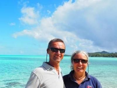 Drama Banget, Pasangan Ini 4,5 Tahun Berlayar Cari Pembuat Kapalnya