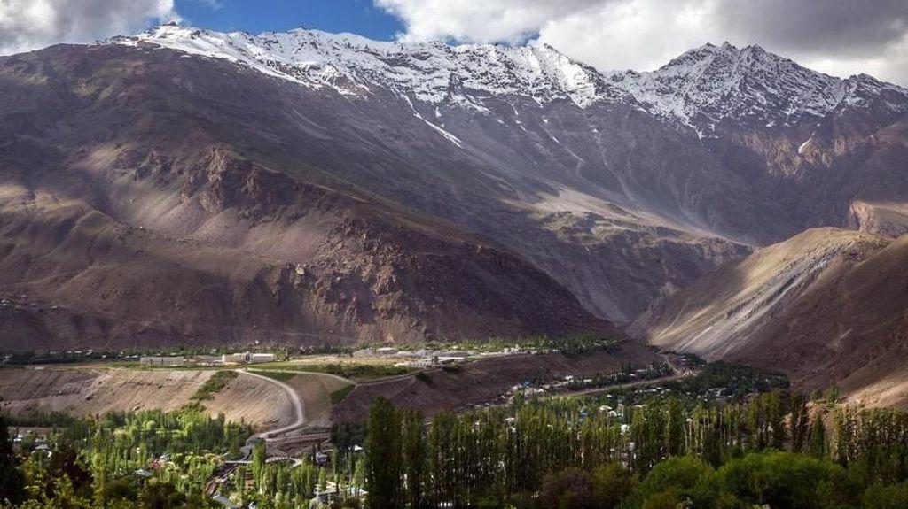 Potret Atap Dunia dari Tajikistan