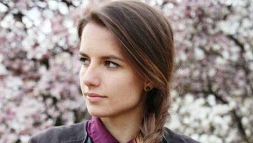 Foto: Pesona Karolina Bojar, Wasit Berparas Cantik Asal Polandia