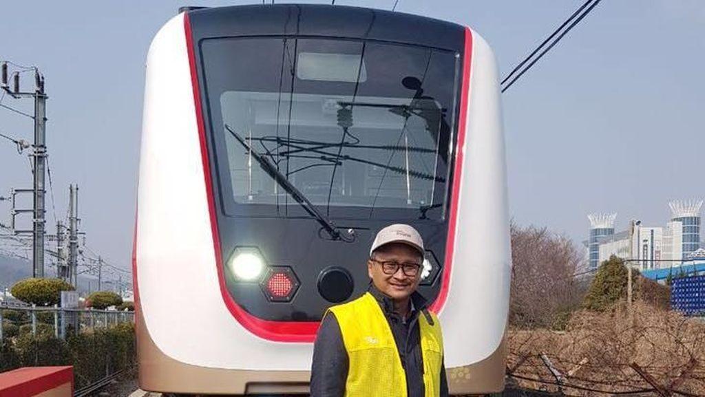 Kereta LRT Jakarta dari Korsel Tiba di Tanjung Priok Besok