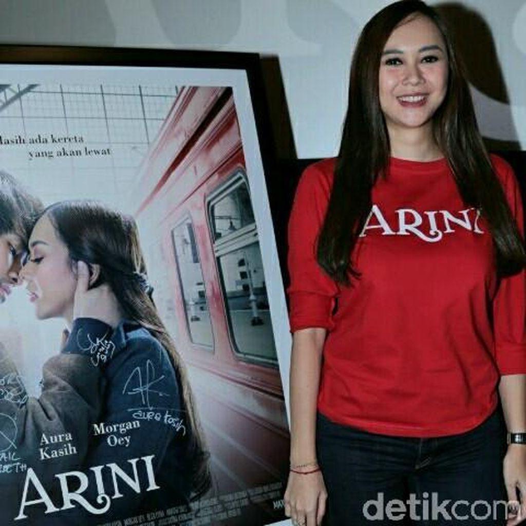 Aura Kasih Selipkan Cerita Sedih Hidupnya di Film Arini