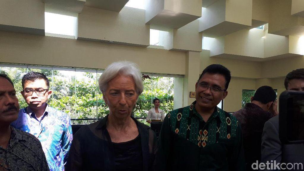 Cerita Bos IMF di RI: Blusukan, Borong Batik hingga ke Pasar Ikan
