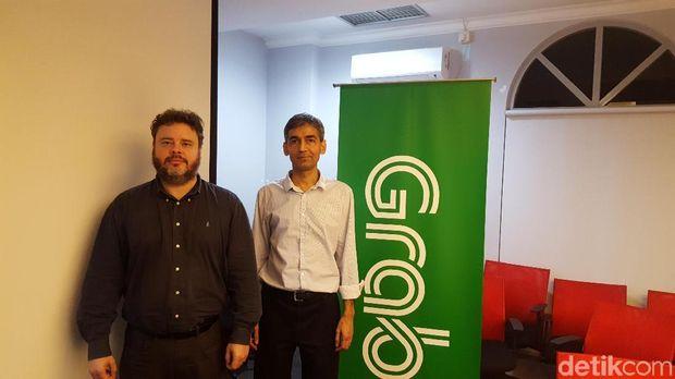 Steve Yogge (kiri) dan Milind Mahajan (kanan)