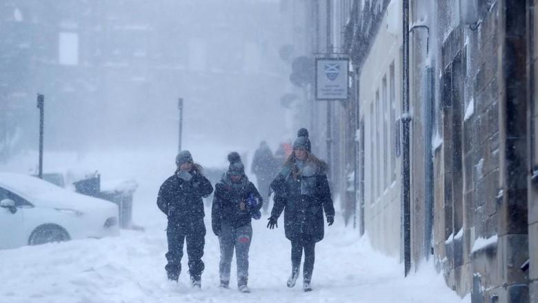Buntut 'Monster dari Timur', Inggris Dilanda Krisis Air