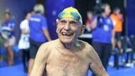 Kakek 99 Tahun di Queensland Tahun Pecahkan Rekor Renang Dunia