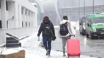 Penampakan Salju Tutup Bandara di Dublin dan Ganggu Penerbangan