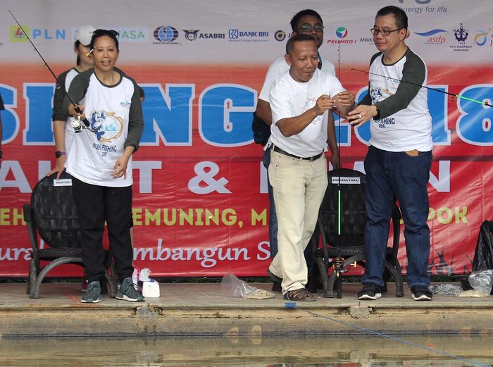 Acara Fun Fishing 2018 itu digelar di Pemancingan Ikan Galeha Arya Kemuning, Depok, Sabtu (3/3). Foto: dok. Kementerian BUMN