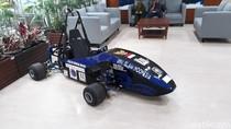 Nih Penampakan Mobil Listrik Formula 1 di Kantor Luhut