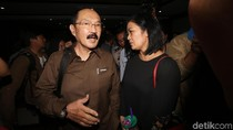 Gerakan Tangan Diprotes Jaksa KPK, Fredrich Ngaku Rapikan Rambut