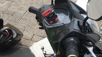 Pakai Holder, Driver Ojol Tetap Konsentrasi Nyetir Saat Lihat GPS