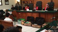 11 Jemaah Jadi Saksi di Sidang Bos First Travel Hari Ini