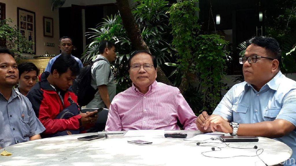 Senyum Sri Mulyani Balas Kepretan Rizal Ramli