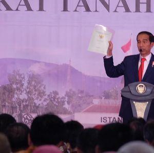 Dibilang Ngibul oleh Amien Rais, Ini Alasan Jokowi Bagi-bagi Sertifikat Tanah