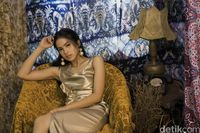 Maudy Ayunda saat pemotretan Celeb of The Month
