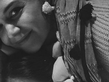 Begini potret happy ibu dan anak ini. Kompak banget deh. (Foto: Instagram/ @katieholmes212)