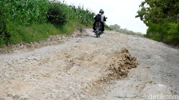Jalan rusak di Grobogan