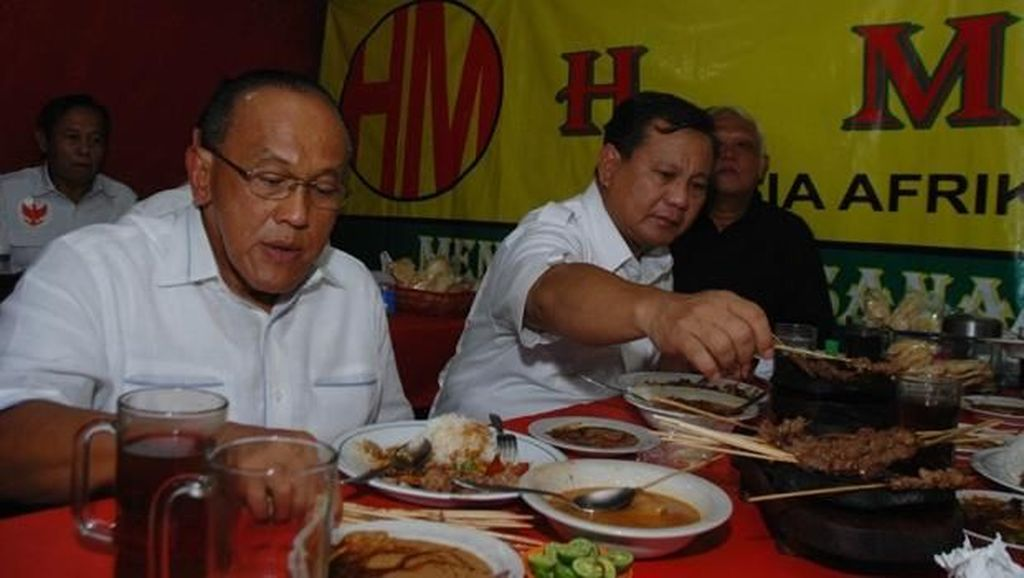 Asyiknya Prabowo Subianto Makan Sate Hingga Gaya Kekinian Rizky Febian Saat Ngopi