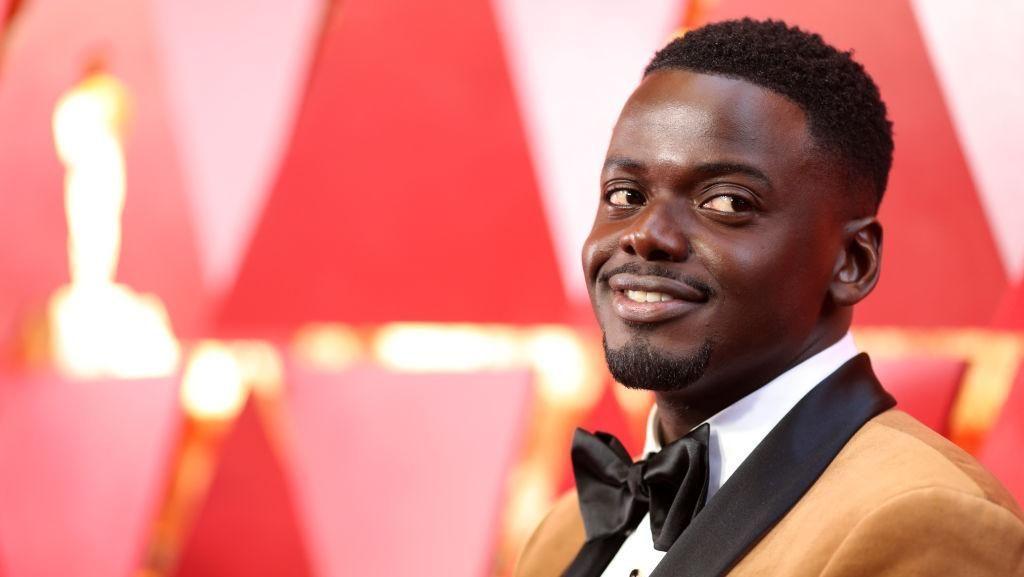 Pria Juga Butuh Makeup, Daniel Kaluuya pun Pakai Foundation ke Oscars 2018