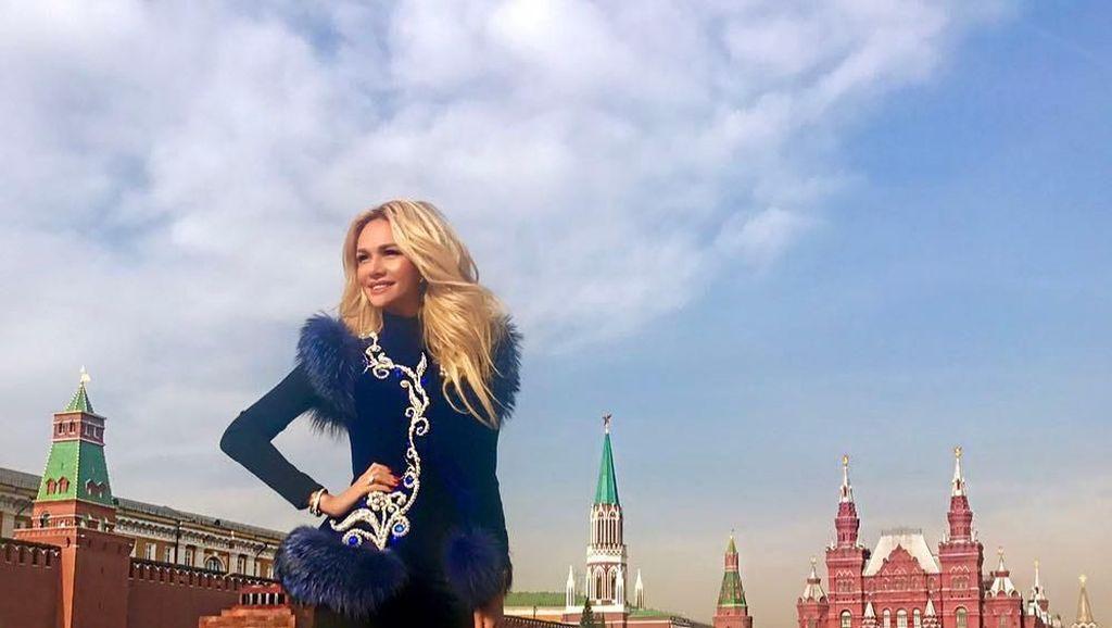 Liburannya Victoria Lopyreva, Si Cantik Ambasador Piala Dunia 2018