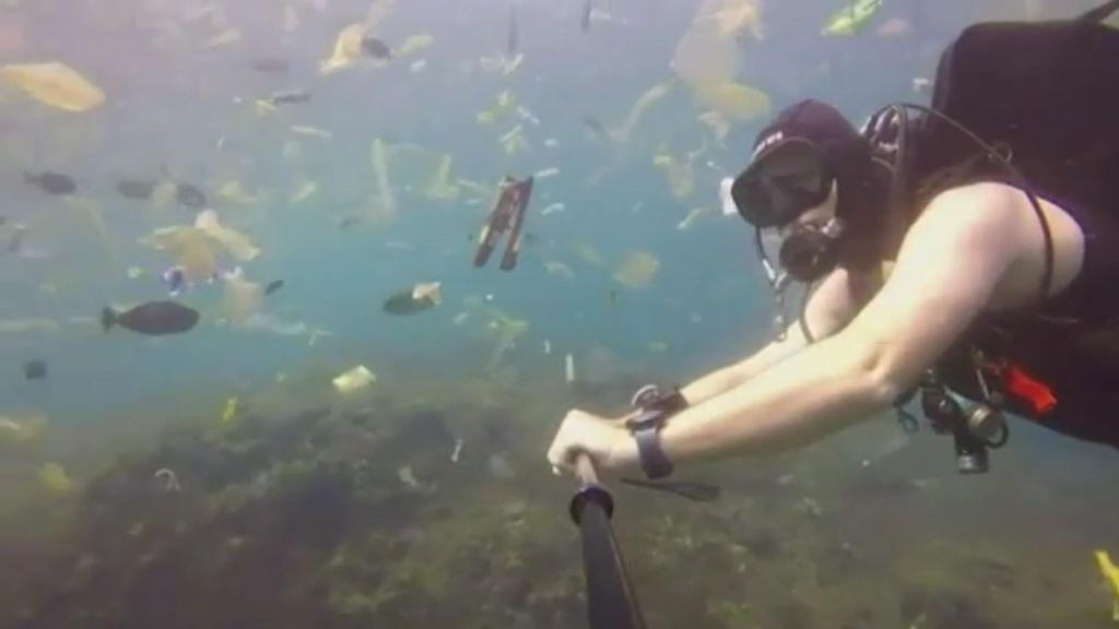 Miris! Nyelam di Nusa Penida Bukan Dapat Ikan Malah Sampah