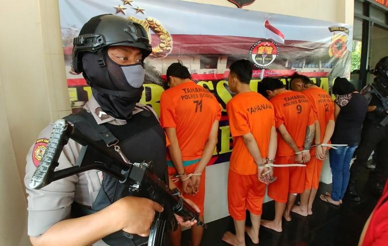 4 Pelaku Pembunuhan Driver Taksi Online di Bogor Ditangkap!