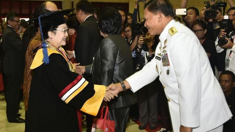 Ini Alasan Jokowi dan Soeharto Tolak Doktor Honoris Causa