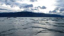 Bukan Laut, Ini Danau Toba Dilihat dari Pantai Parbaba