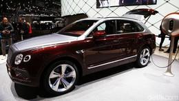 SUV Terkencang Bentley Disetrum Juga