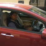 Tadinya Tukang Sapu, Wanita Ini Sekarang Kendarai Mobil Mewah