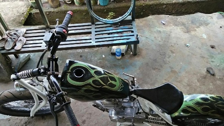 Honda CB100, dari Rongsokan Berubah Jadi Keren