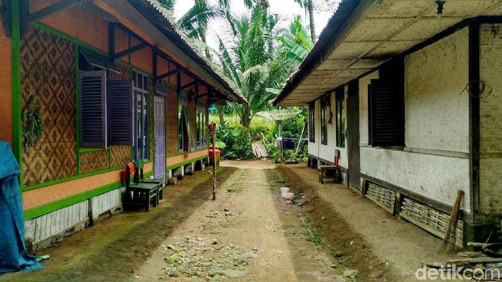 Rumah Tanpa Tembok di Kampung Adat Kuta
