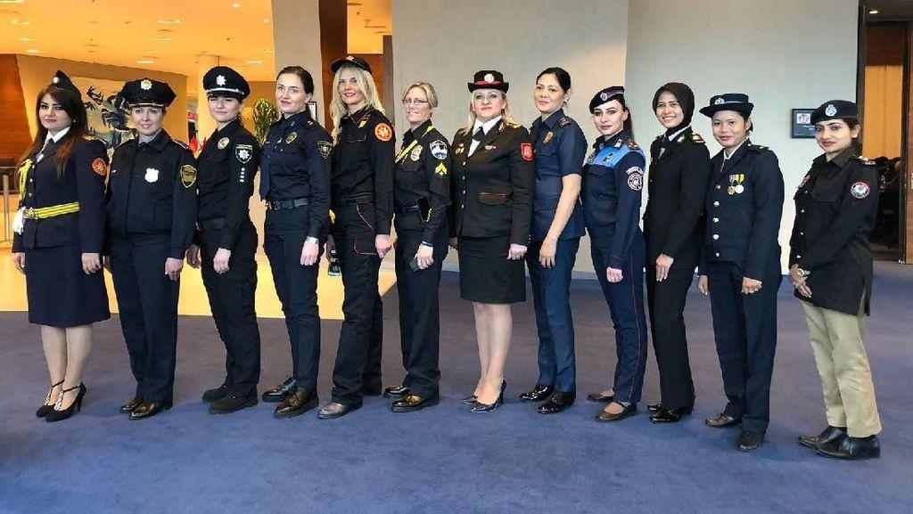 6 Polwan RI Tampil di Konferensi Wanita di Georgia