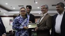 Terima Dubes Iran, Zulkifli Hasan Banggakan Toleransi di Indonesia