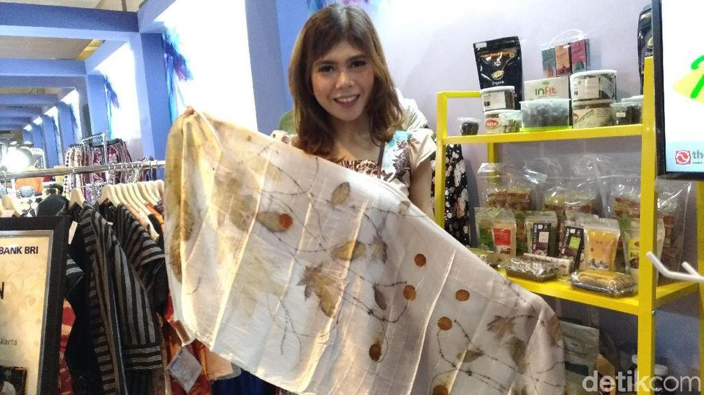 Pakai Pewarna dari Daun, Kain Batik Ini Tembus Pasar Jerman