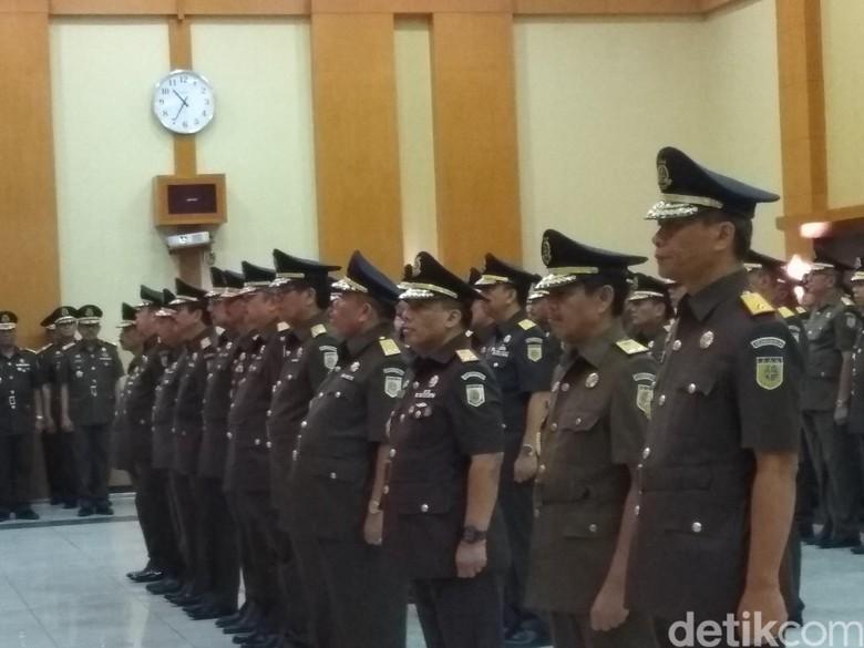 Lantik 12 Kajati, Jaksa Agung: Jangan Rusak Citra Kejaksaan