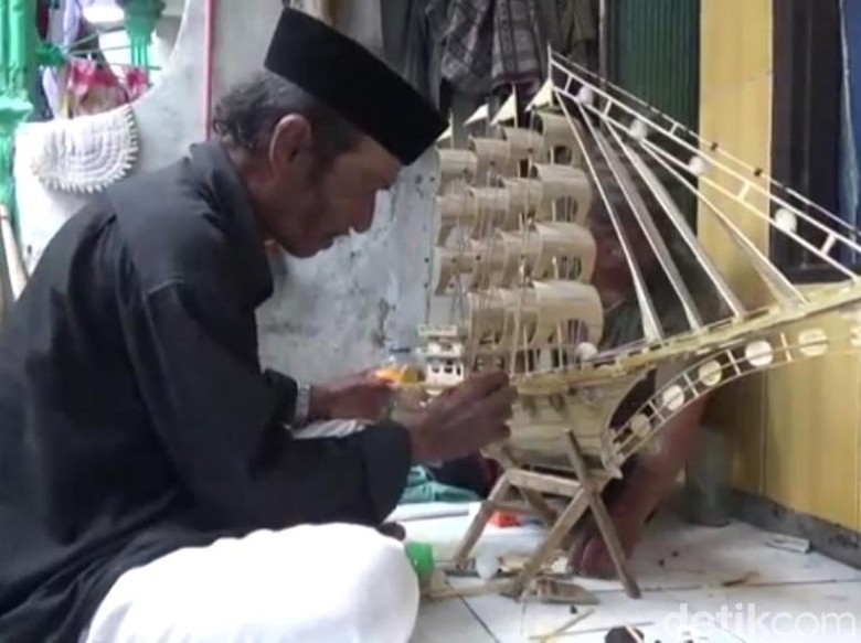 Sosok Wahidi, Nelayan Pasuruan Ahli Bikin Miniatur Kapal Phinisi