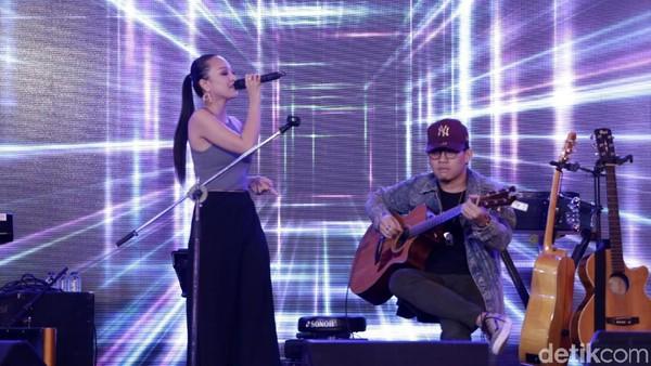 Angela Vero Jadikan Musik Sebagai Terapi