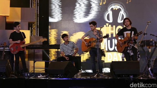 Mantab! dHot Music Day Diramaikan Penonton