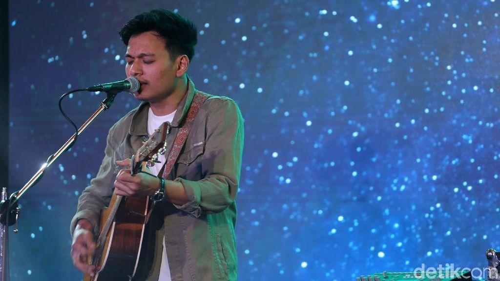 Digempur Media Sosial, Acara Musik di Televisi Tetap Penting bagi Rendy Pandugo
