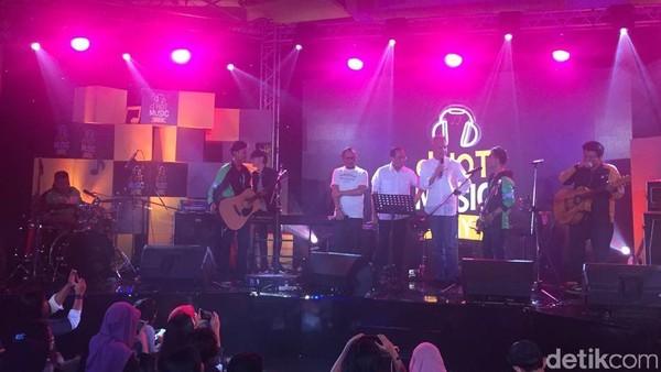 Geng Ojol Ajak Ganjar Pranowo dan Dua Menteri Nyanyi di dHOT Music Day 2018