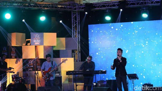 'Melamarmu' Badai Romantic Project Buai Penonton d'HOT Music Day 2018