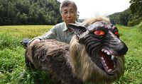 Serigala monster dengan tampang yang menyeramkan (AFP)
