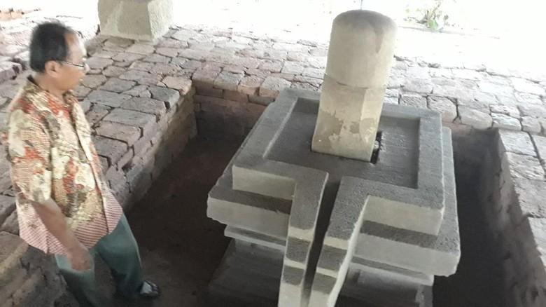 Di Madiun, Ada Candi yang Simpan Lambang Alat Kelamin