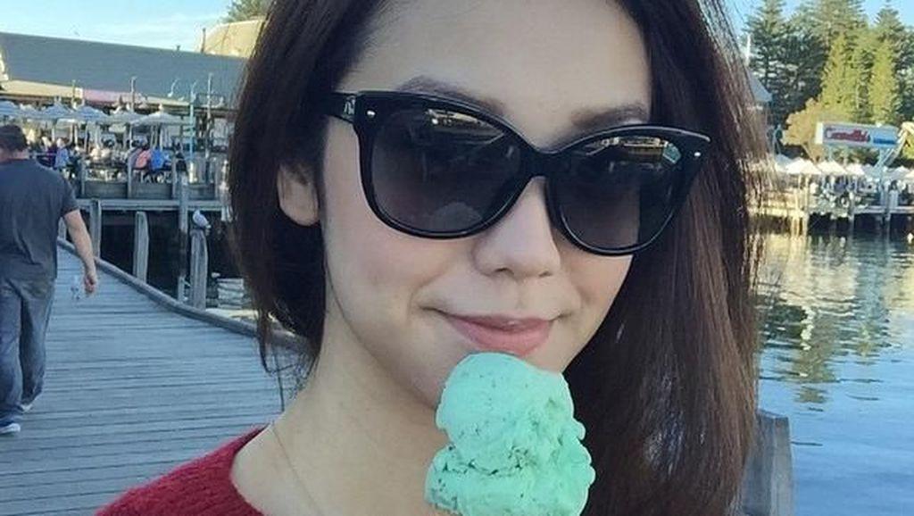 Yuk, Intip 10 Momen Makan Si Cantik Velove Vexia, Putri OC Kaligis!