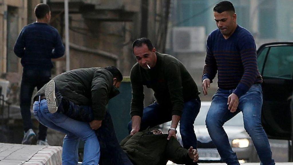 Warga Palestina Ditembak Usai Bacok Tentara Israel